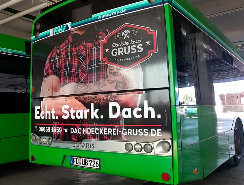 buswerbung-dachdeckerei-gruss-loftagentur